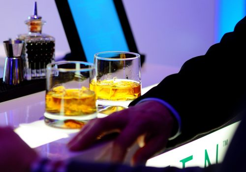 Drinking While Traveling? Follow These Important Tips